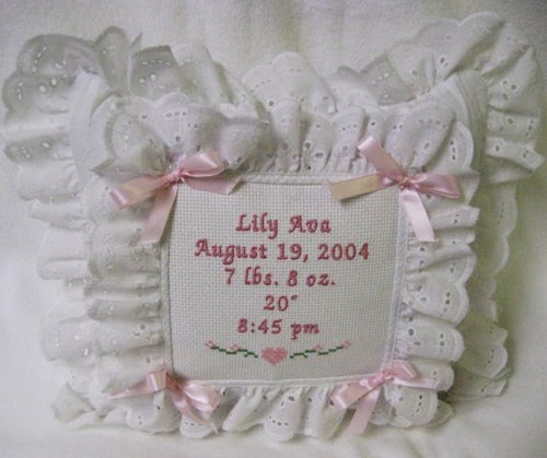 Musical Eyelet Pillow - Pinks