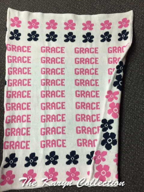 *EXCLUSIVELY OURS...Grace's daisy Flower COTTON Blanket