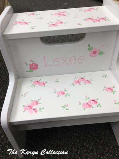 """Lexee 2-Step Stool"" in cabbage roses"
