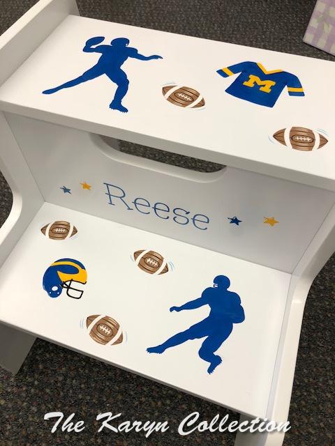 Reese's 2 step MICHIGAN sports fan stool