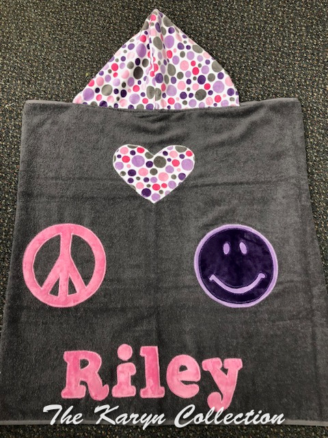 Riley's 💗, peace and happy face toddler towel
